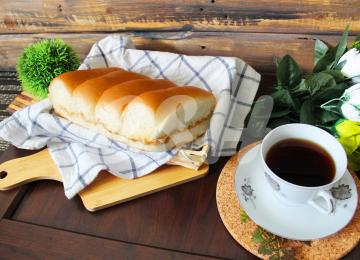 083 Butter Kaya Bun 220gm